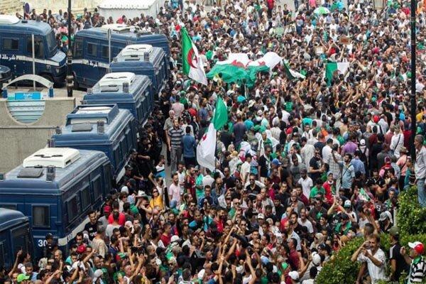 چرایی تولد حراک شعبی/ وقتی عکس امام خمینی در خانه الجزایریها بود