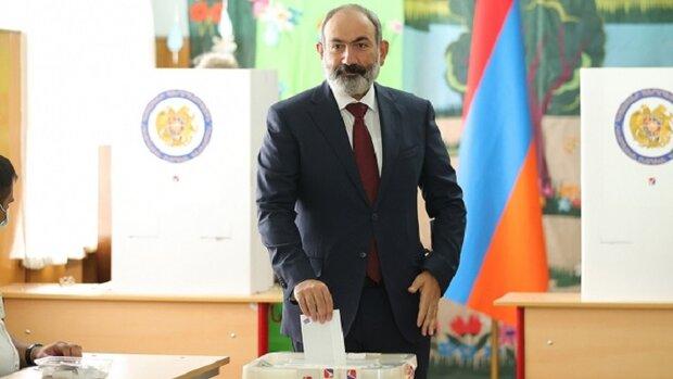 Ermenistan'daki seçimlerde Paşinyan'ın partisi ilk sırada