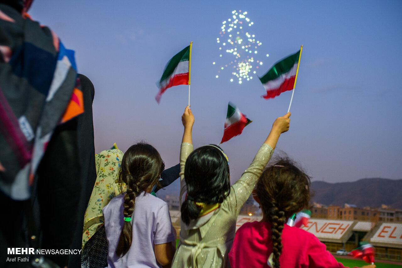 ایران اسلامی صحنه جشن بزرگ ملت/از نشاط مشارکت تا شادی دهه کرامت