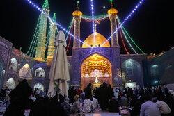 حرم حضرت معصومہ (س) میں حضرت امام رضا (ع) کی ولادت کی مناسبت سے محفل جشن و سرور منعقد