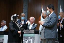 Mansour Barzegar bust