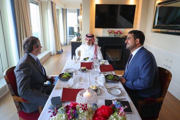 Suudi Bakan, UAEA Başkanı ile İran'ı görüştü