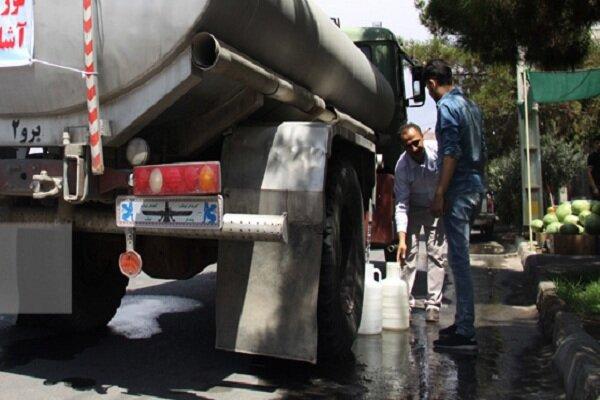 کوچه به کوچه به دنبال آب/ قطعی مکرر و آبرسانی سیار در کرمان!