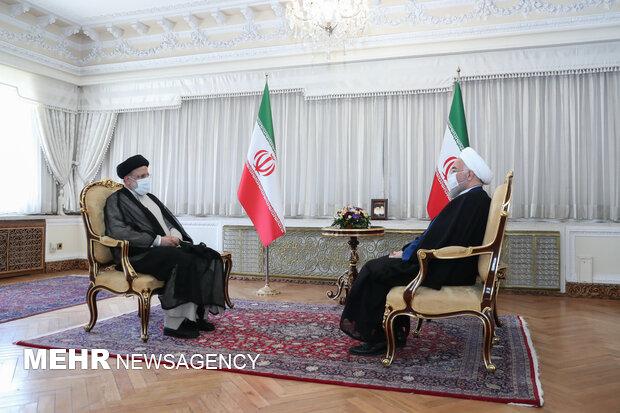 حجت الاسلام رئیسی برای جلسه با روحانی به پاستور رفت