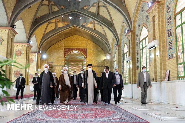 Raeisi at Imam Khomeini's Mausoleum
