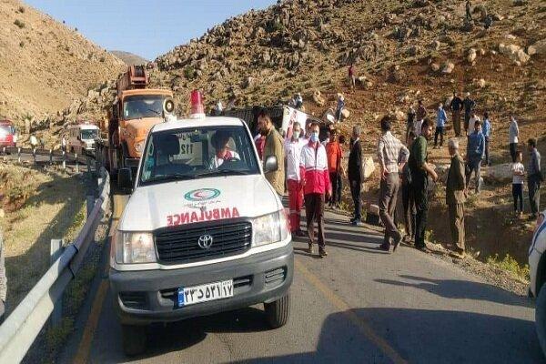 مصدومان حادثه واژگونی اتوبوس خبرنگاران به۲۶نفر رسید+اسامی مصدومان