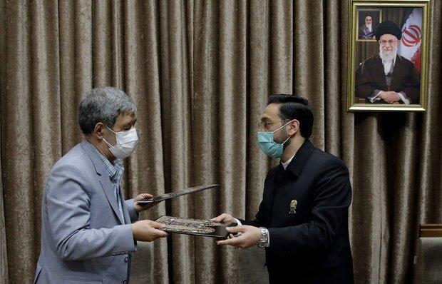 آستان قدس و دانشگاه علوم پزشکی مشهد تفاهمنامه همکاری امضا کردند