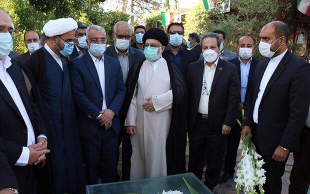 عزت نظام مقدس جمهوری اسلامی مرهون خون شهدا است