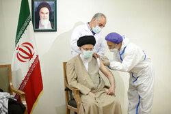 رہبر معظم انقلاب اسلامی نے ایرانی ویکسین کا پہلا ٹیکہ لگوالیا