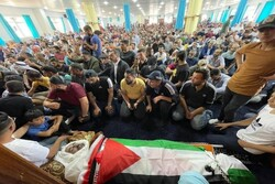برگزاری مراسم تشییع پیکر «نزار بنات»/ تظاهرات علیه «محمود عباس»