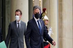 Blinken ve Macron, Rusya ile istikrarlı ilişkilerin kurulmasını görüştü