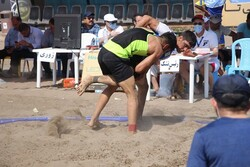 ششمین دوره رقابتهای کشتی ساحلی قهرمانی کشور آغاز شد