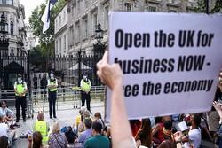 تجمع اعتراضی صدها تَن از شهروندان لندن به محدودیت های کرونایی