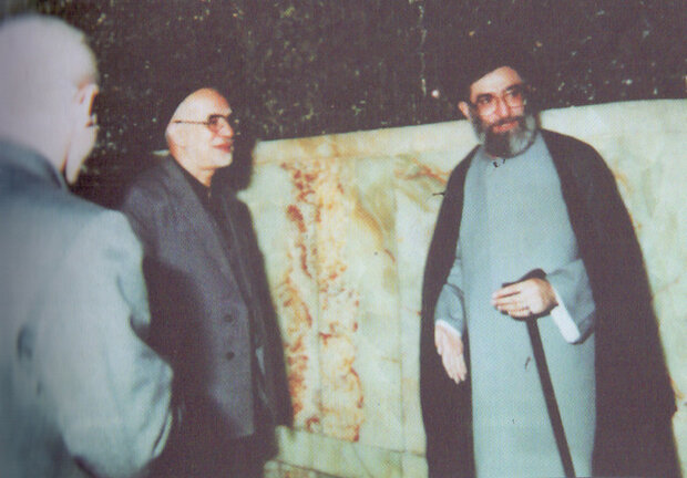 مساجد؛ پایگاههای مبارزاتی حضرت آیتالله خامنهای