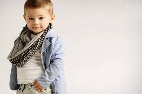 3814376 - کودکان ابزارسوء استفاده بزرگترها/وقتی کودک مدل اینستاگرامی میشود