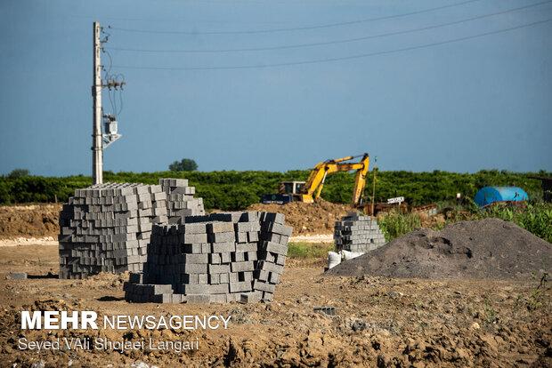 ساخت و ساز در وسط تالاب