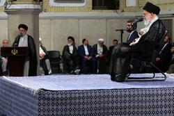 Ayetullah Hamanei, bugün Cumhurbaşkanı Reisi ve kabine üyeleri ile görüşecek