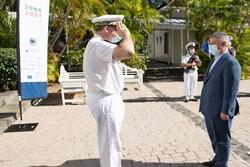 احترام فرمانده نیروی دریایی فرانسه به دریادار حسین خانزادی