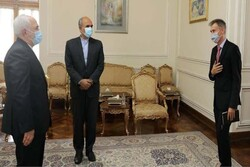 Swiss Envoy bid farewell to FM Zarif