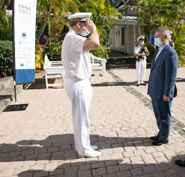 قائد البحرية الفرنسية يستقبل الأدميرال خانزادي في جزيرة ريونيون