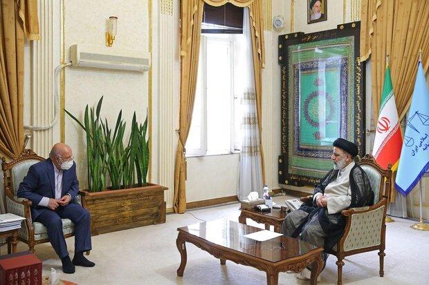 Yeni İran Cumhurbaşkanı Reisi, Petrol Bakanı Zengene'yi kabul etti