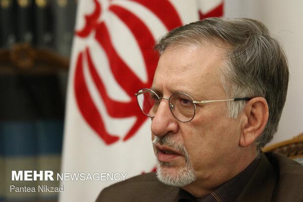 السفير الايراني الجديد في لندن يتوجه الى مقر عمله