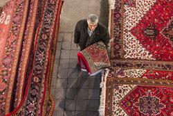 توسعه صنعت فرش در استان زنجان مورد توجه ویژه قرار گیرد
