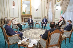 Rival Presidential candidates meet with President-elect