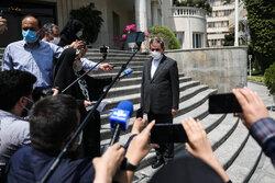 کابینہ کے اجلاس کے بعد وزراء کی صحافیوں سے گفتگو