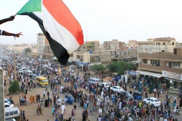 مظاهرات حاشدة تطالب بإسقاط الحكومة