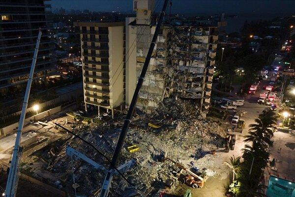 Miami'de çöken 13 katlı binada can kaybı 16'ya yükseldi