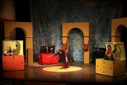 نمایشی که ۳ بچه زندانی را نجات داد/ «چهار صندوق شادی» برای کودکان