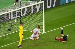 تساوی انگلیس و دانمارک در نیمه نخست نیمه نهایی