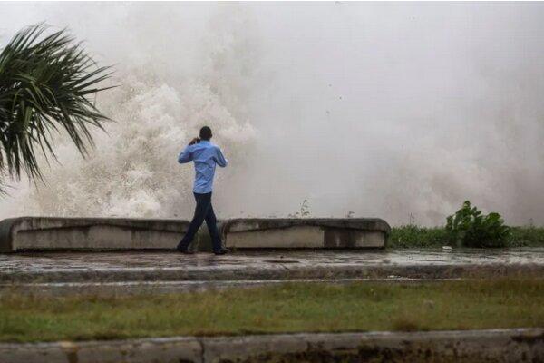 Tropical storm Elsa batters Florida