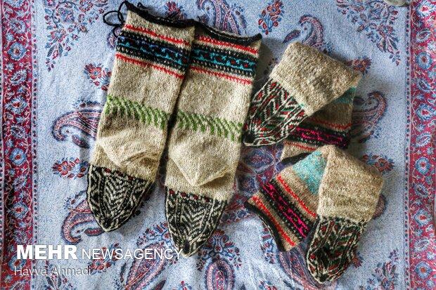 نمونه ای جوراب های بافته شده با نقوش های ذهنی