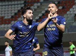 دیدار تیم های فوتبال گل گهر سیرجان و آلومینیوم اراک