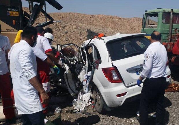 تصادف زنجیرهای ۲۰ خودرو در محور نیشابور - سبزوار