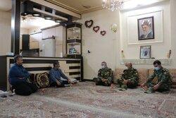فرمانده کل ارتش با سرهنگ جانباز «محمد کاووسی» دیدار کرد