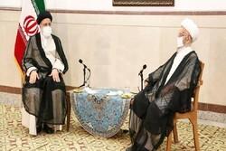 دیدار حجت الاسلام رئیسی با آیت الله مکارم شیرازی