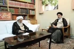 ضرورت ارتباط با جهان اسلام و همسایگان/ قراردادن کشور در مسیر توسعه و آبادانی پایدار