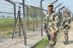 باكستان تشدد الأمن على الحدود مع أفغانستان
