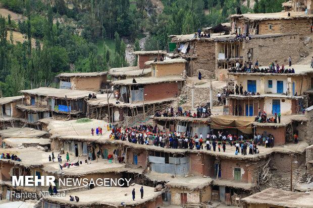 مراسم عروسی در روستای سرآقاسید