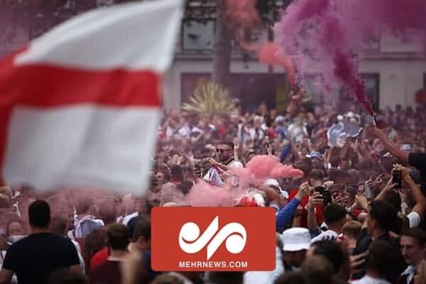 VIDEO: English fans attack Italians