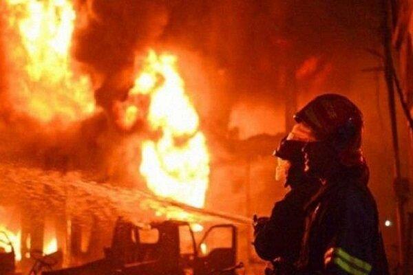 آتش سوزی کارگاه مبل در علی آباد/ ۵ نفر جان باختند