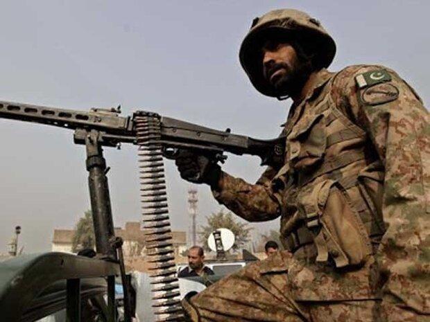 پاکستانی سکیورٹی فورسز اور دہشت گردوں کے درمیان جھڑپ/ 3 دہشت گرد اور 2 اہلکار ہلاک