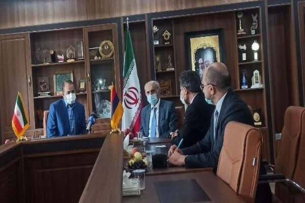 Armenian envoy calls for boosting trade coop. with Zanjan