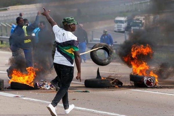 جنوبی افریقہ میں پر تشدد واقعات اور فسادات میں 72 افراد ہلاک