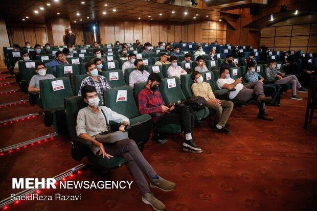 رسانهها دلدادگی مردم به امام حسین(ع) را هنرمندانه عالمگیر کنند