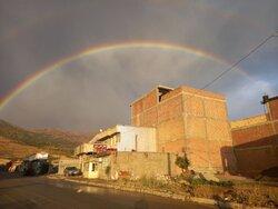 رنگین کمان و باران تابستانی در شهر مرزی بانه