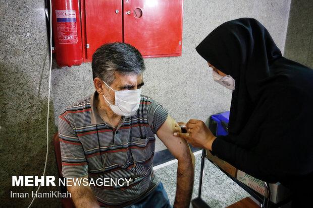 واکسیناسیون رانندگان تاکسی در البرز